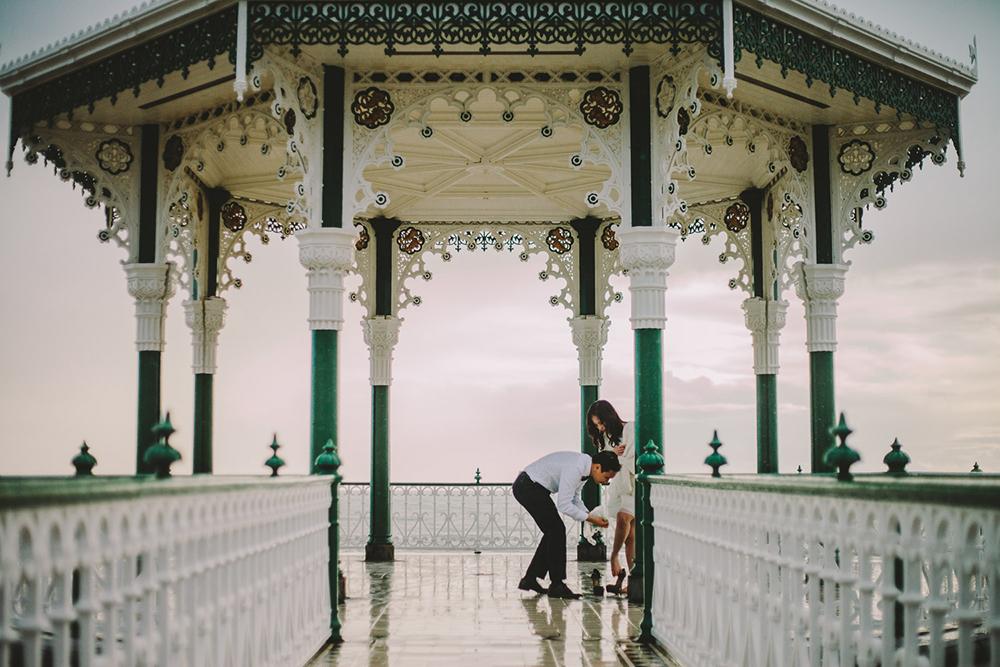 engagement shoot on pavillion