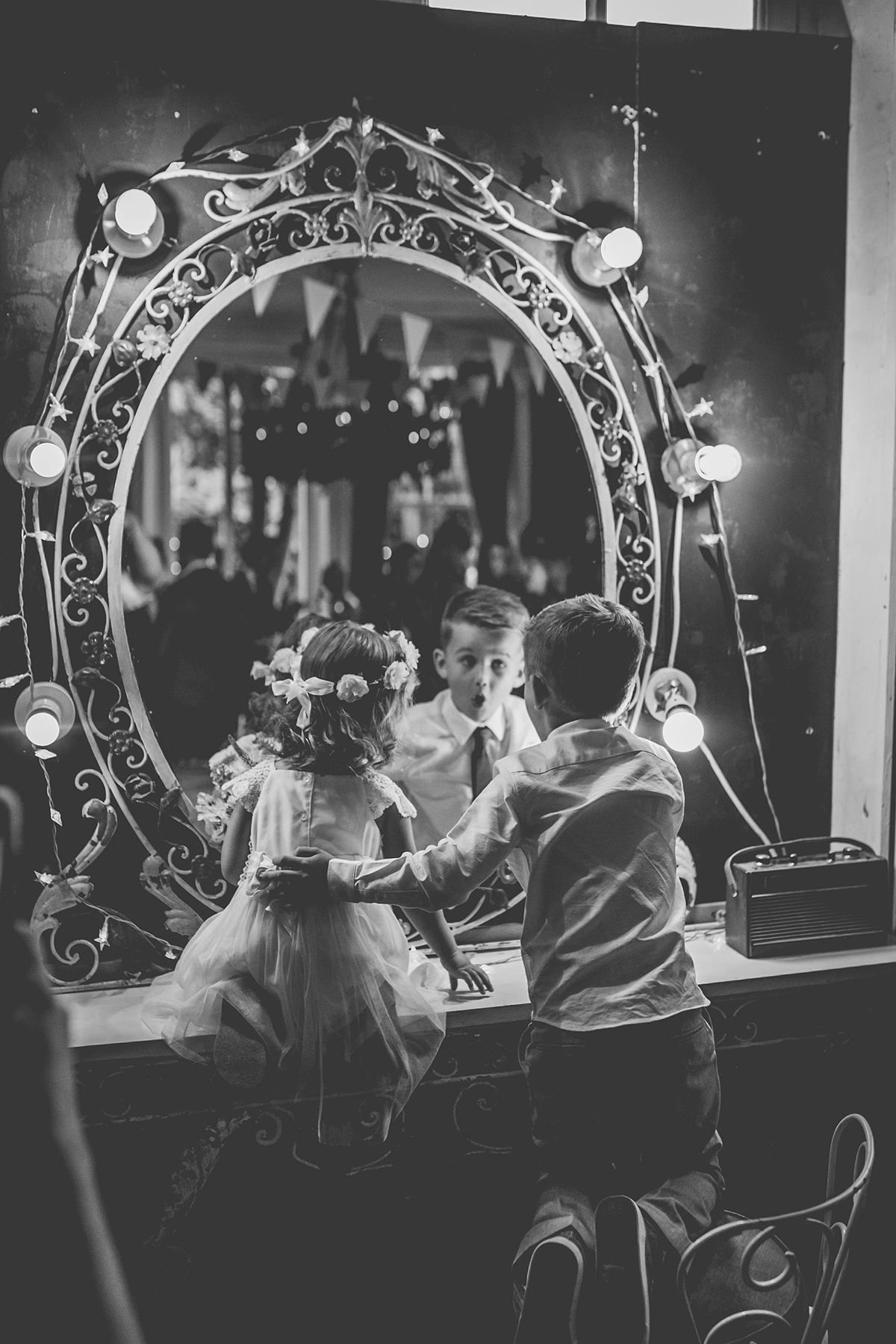 kids in mirror wedding photography