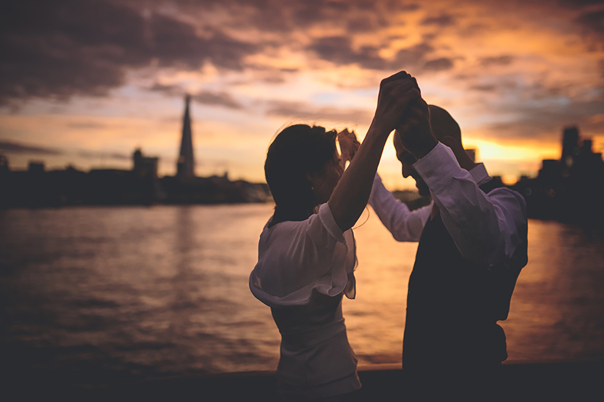couple dancing at sunset wedding photography