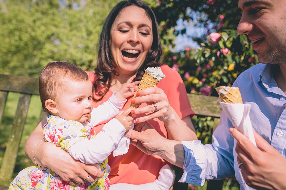family photoshoot laughing with ice cream