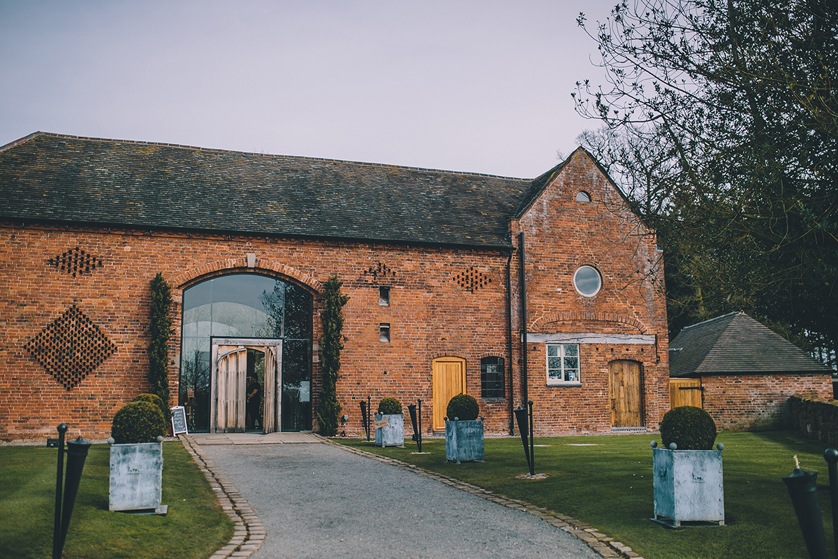 shustoke cripps barn wedding photographer